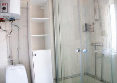 Dusch med glasväggar