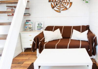 Bäddsoffan kan bli en 120 cm säng med plats för två