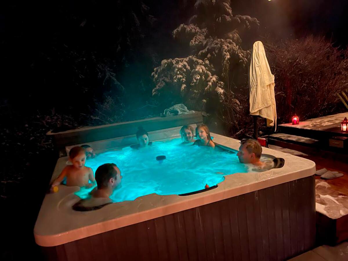 Heated bubbling SPA bath